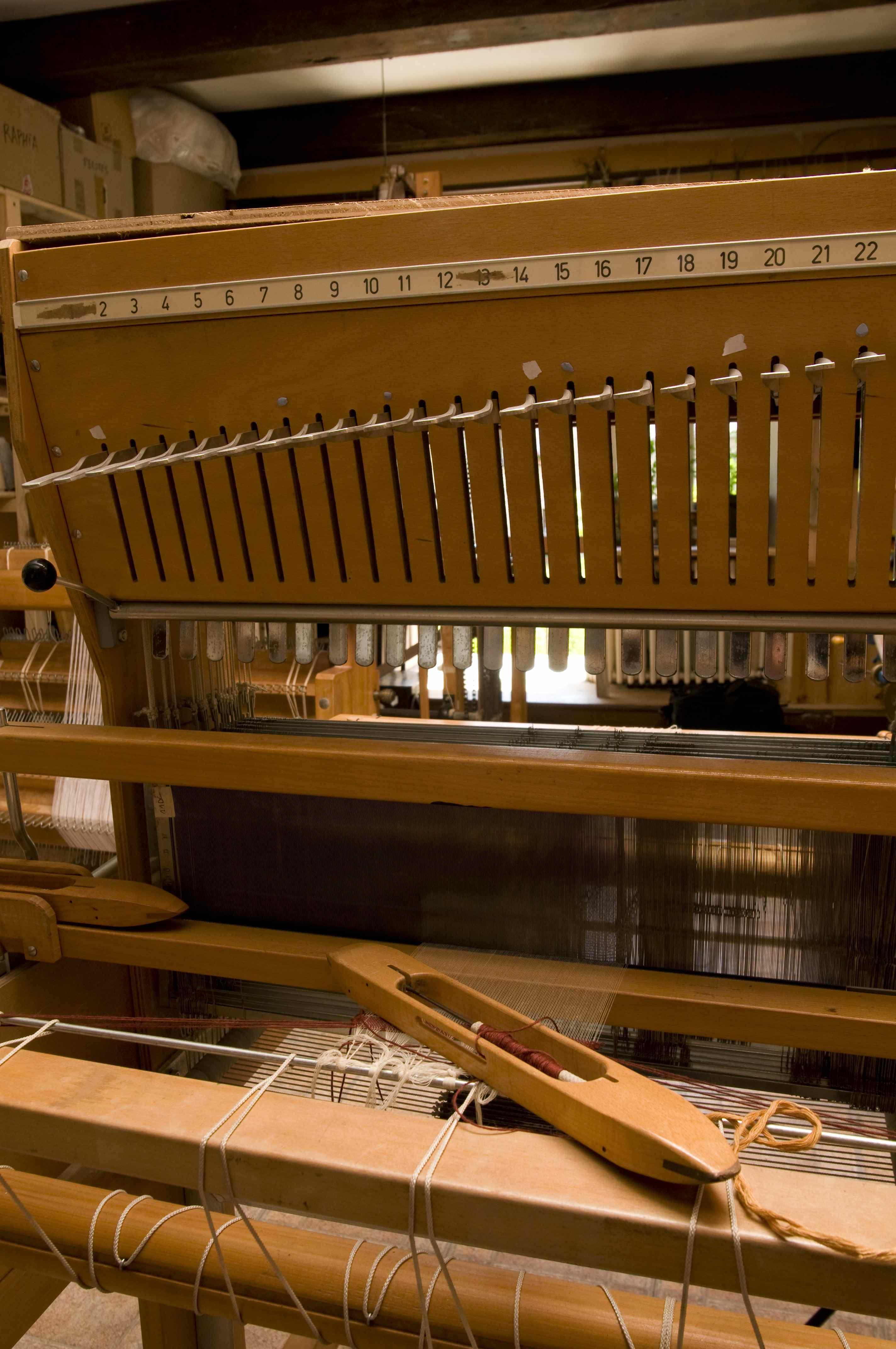 le forum du filage urgent pr t de plusieurs m tiers tisser 24 lames arm et de type arm. Black Bedroom Furniture Sets. Home Design Ideas